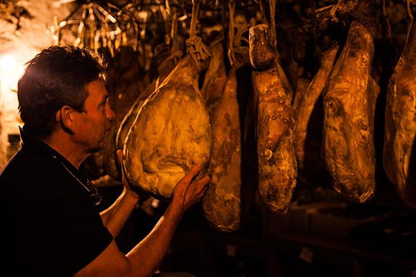 Cave à séchage des jambons