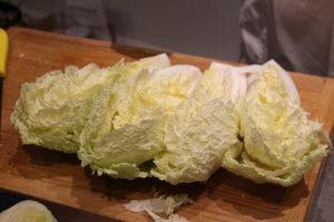 Découpe du chou chinois pour le Kimchi